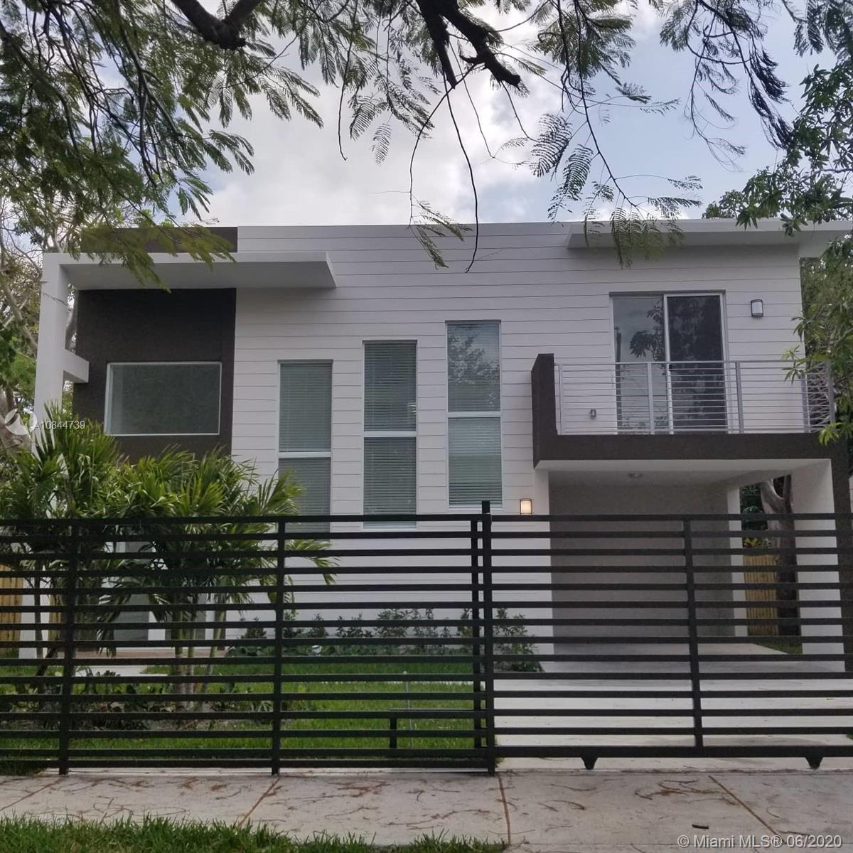 3790  Oak Ave  For Sale A10844739, FL