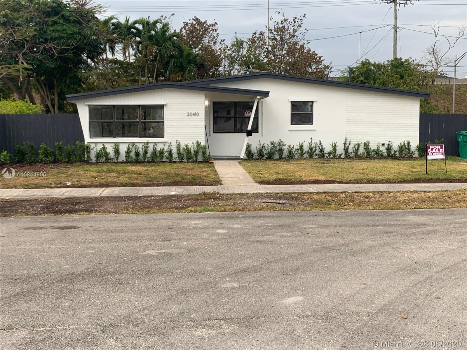 20410 SW 106th Ct  For Sale A10844905, FL
