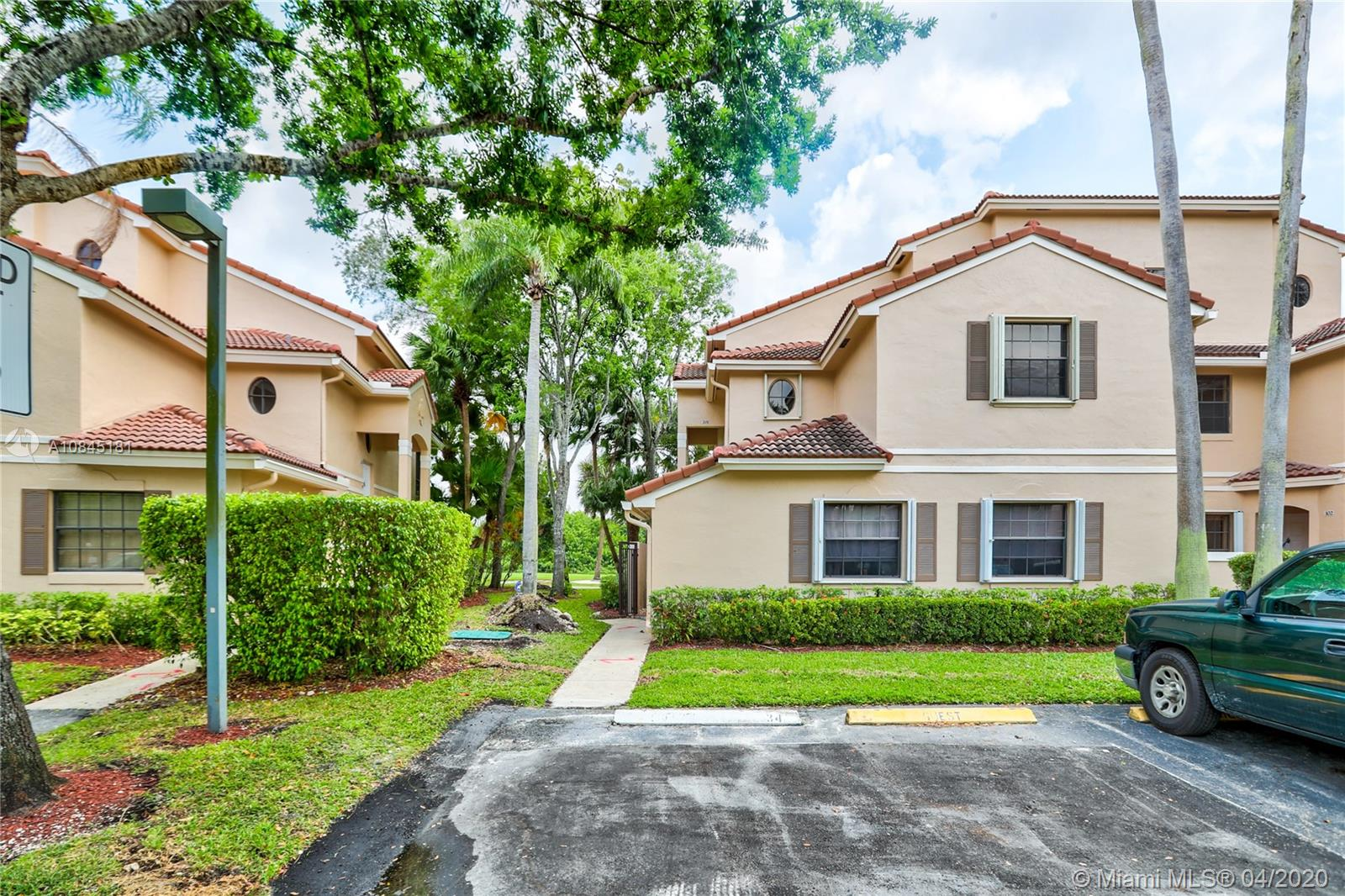 INCREDIBLE OPPORTUNITY TO PURCHASE RARELY AVAILABLE 3 BED/2 BATH CORNER UNIT WITH GOLF COURSE VIEW IN GRAND PALMS GUARD-GATED COMMUNITY! ENJOY THE BEST GOLF VIEW IN LAS VERDES FROM YOUR PRIVATE BALCONY! OPEN FLOOR PLAN PERFECT FOR ENTERTAINING FRIENDS AND FAMILY! UPGRADED GRANITE COUNTERS THROUGHOUT KITCHEN! BOTH BATHROOMS ARE COMPLETELY REMODELED WITH PORCELAIN TILE! MASTER BATHROOM INCLUDES DOUBLE VANITIES, ROMAN TUB AND GORGEOUS OPEN SHOWER! TANKLESS WATER HEATER, NEWER A/C AND ACCORDION SHUTTERS THROUGHOUT! BEST LOCATION IN PEMBROKE PINES, MINUTES AWAY FROM WHOLE FOODS AND THE SHOPS AT PEMBROKE GARDENS! ALL A-RATED SCHOOLS AND EASY ACCESS TO I-75!