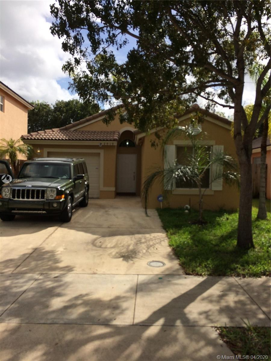 2010 SE 14th St  For Sale A10845583, FL