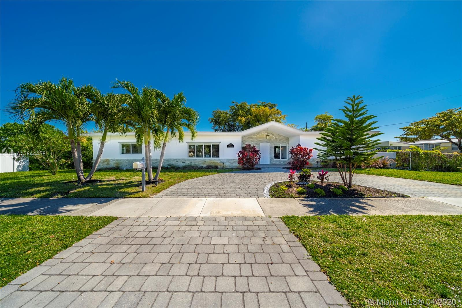 19101 NE 22nd Ave  For Sale A10844458, FL