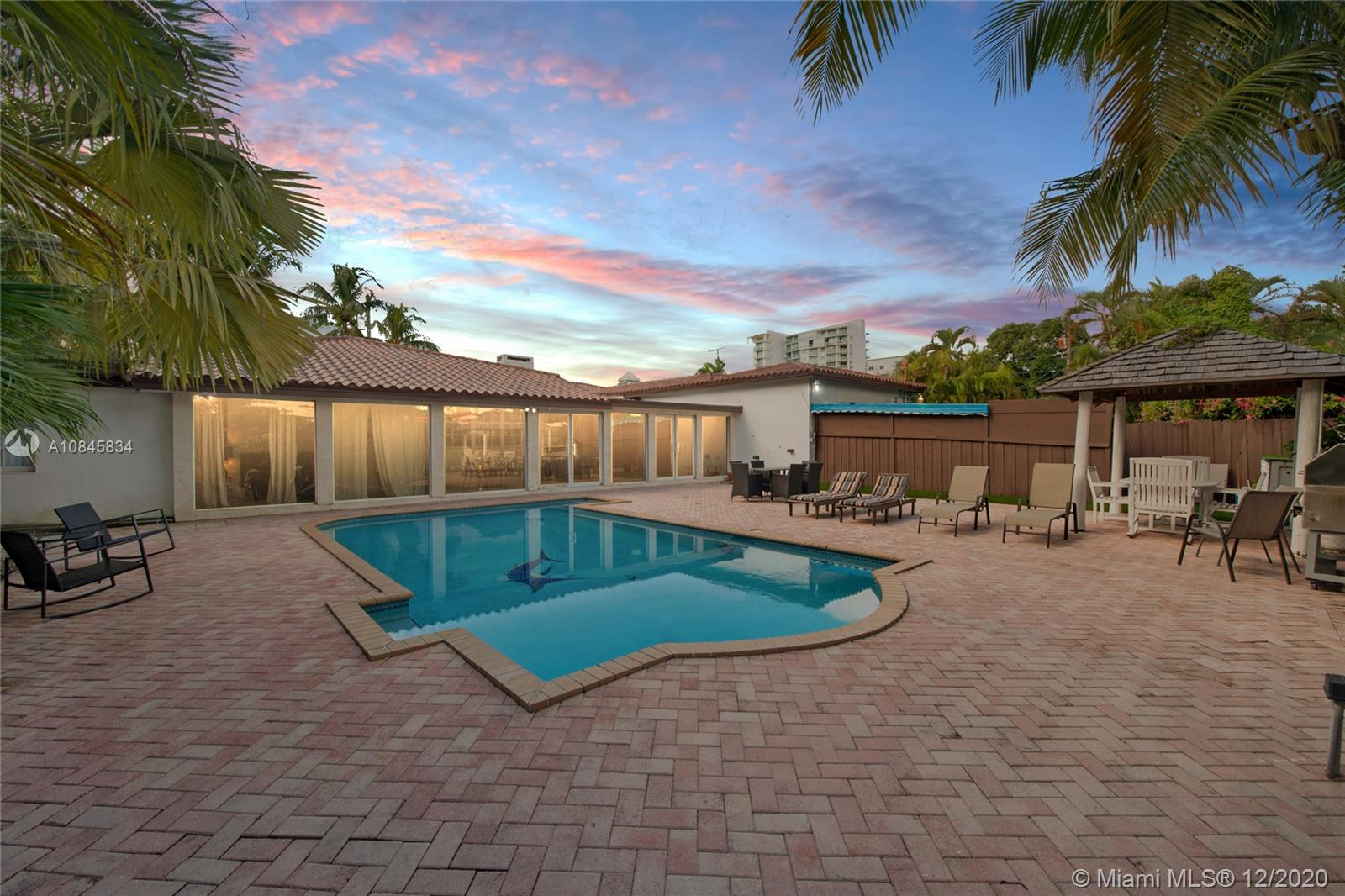 167 SW 20th Rd  For Sale A10845834, FL