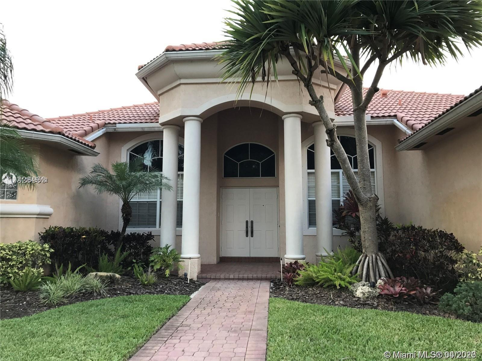 "BEAUTIFUL MONTEREY MODEL IN THE SOUGHT AFTER COMMUNITY OF ""PEMBROKE FALLS"".  GREAT LOCATION, CLOSE TO I-75, 595, SAWGRASS.  GREAT SCHOOLS, MALLS, RESTAURANTS, HOSPITALS, AND MUCH MORE.