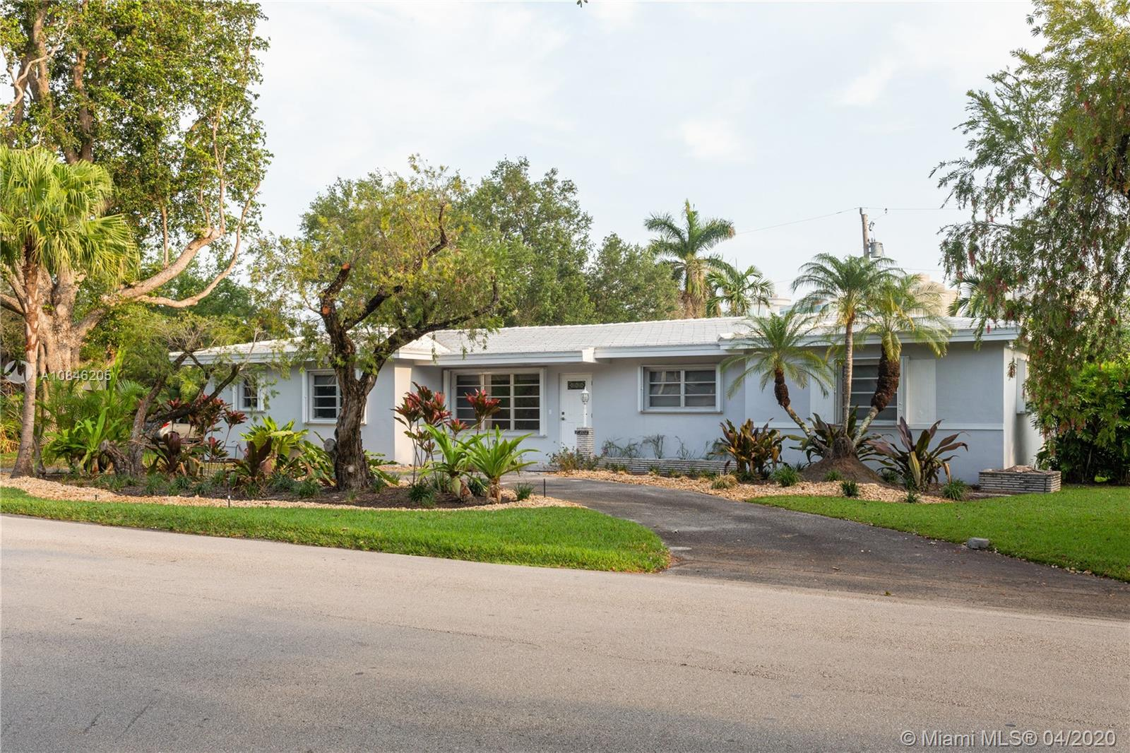 7301 SW 98th St  For Sale A10846205, FL