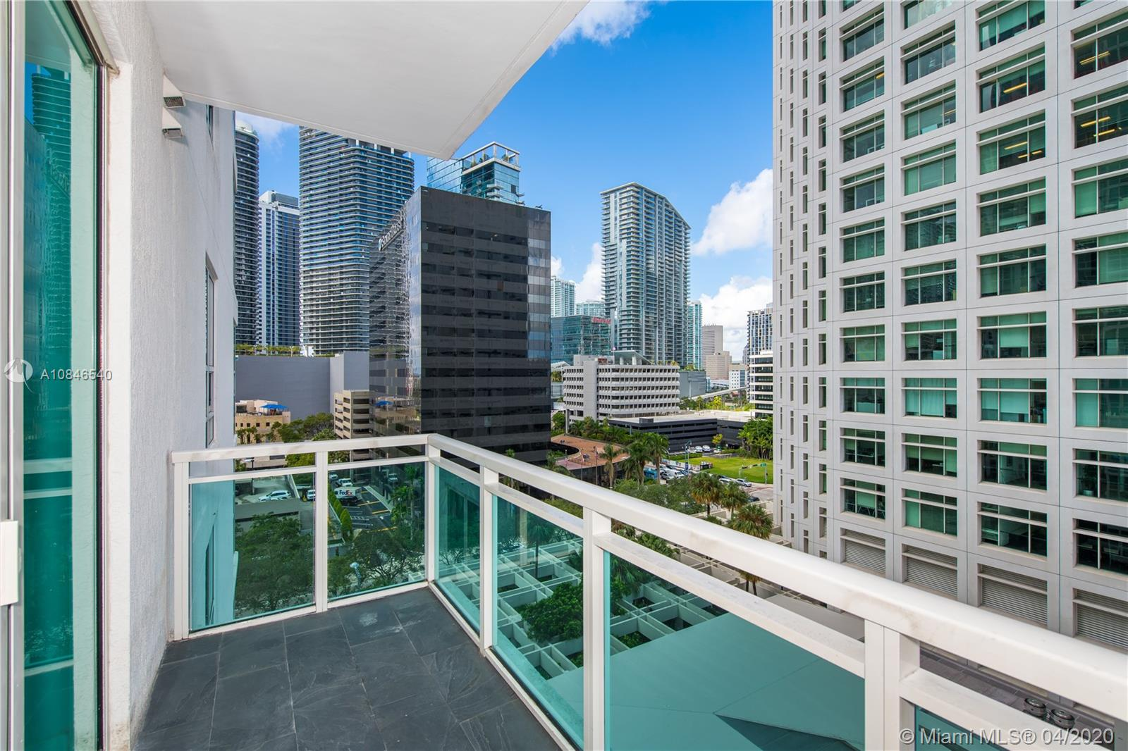 950  Brickell Bay Dr #902 For Sale A10846540, FL