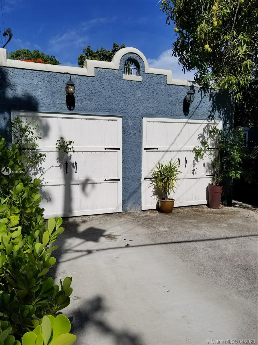 1537 SW 10 ST #REAR For Sale A10846659, FL