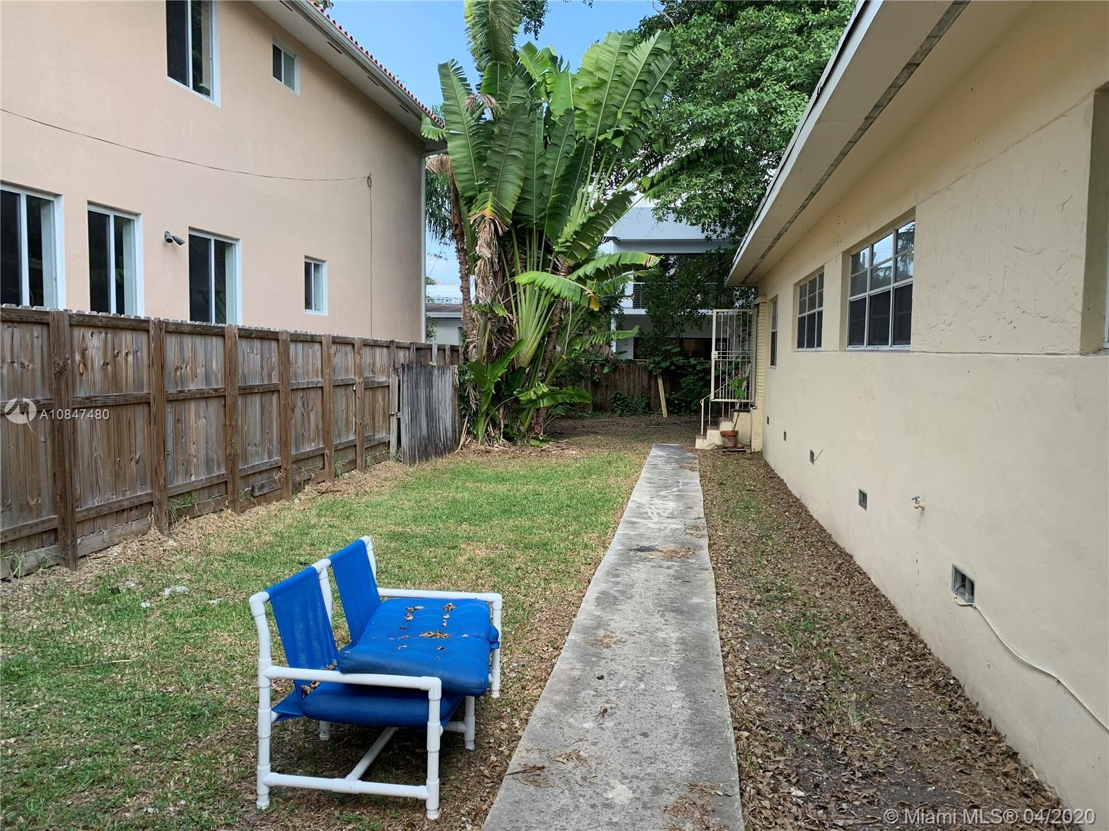 3135  NEW YORK ST #2 For Sale A10847480, FL