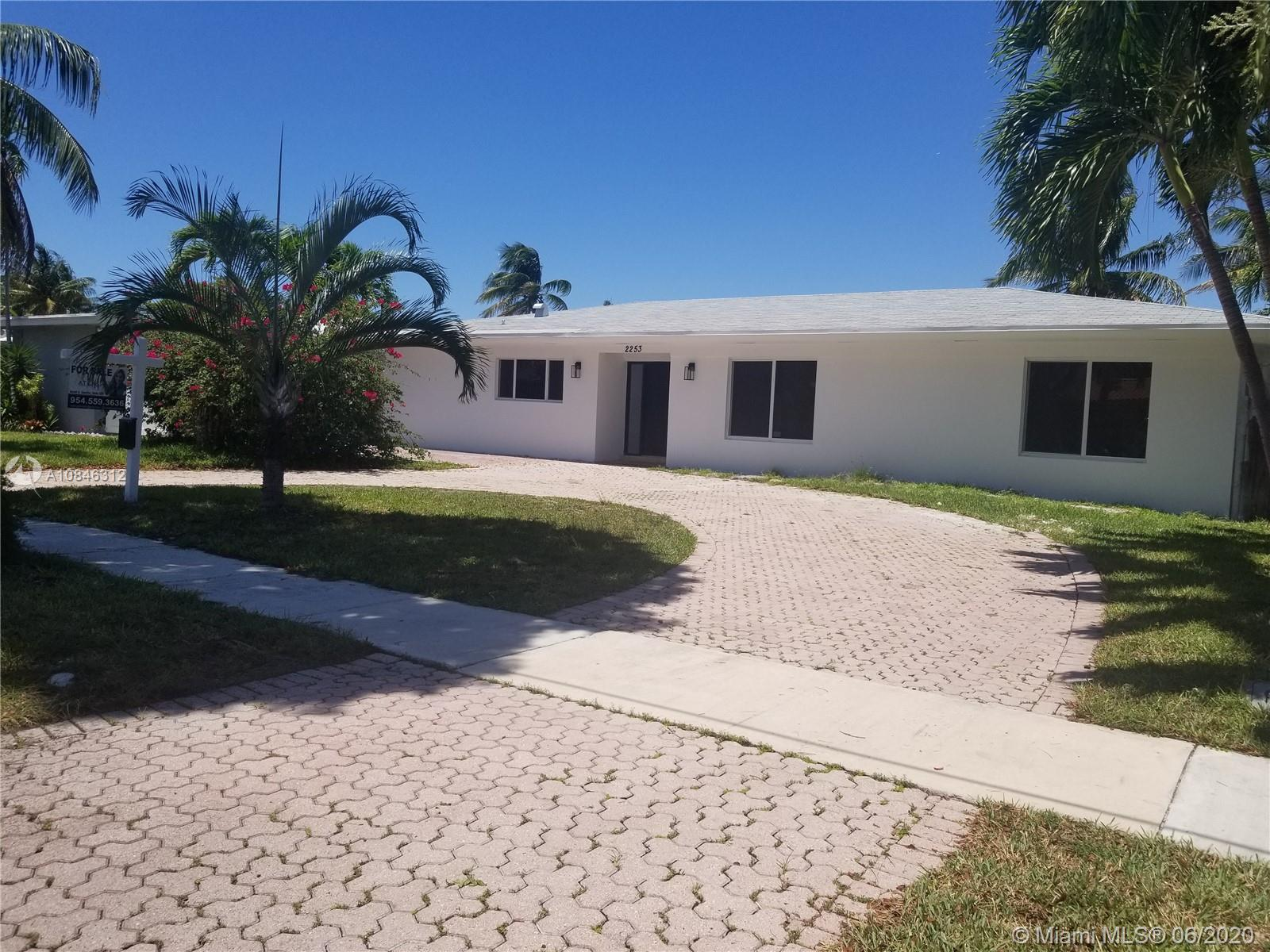 2253  Bayview Ln  For Sale A10846312, FL