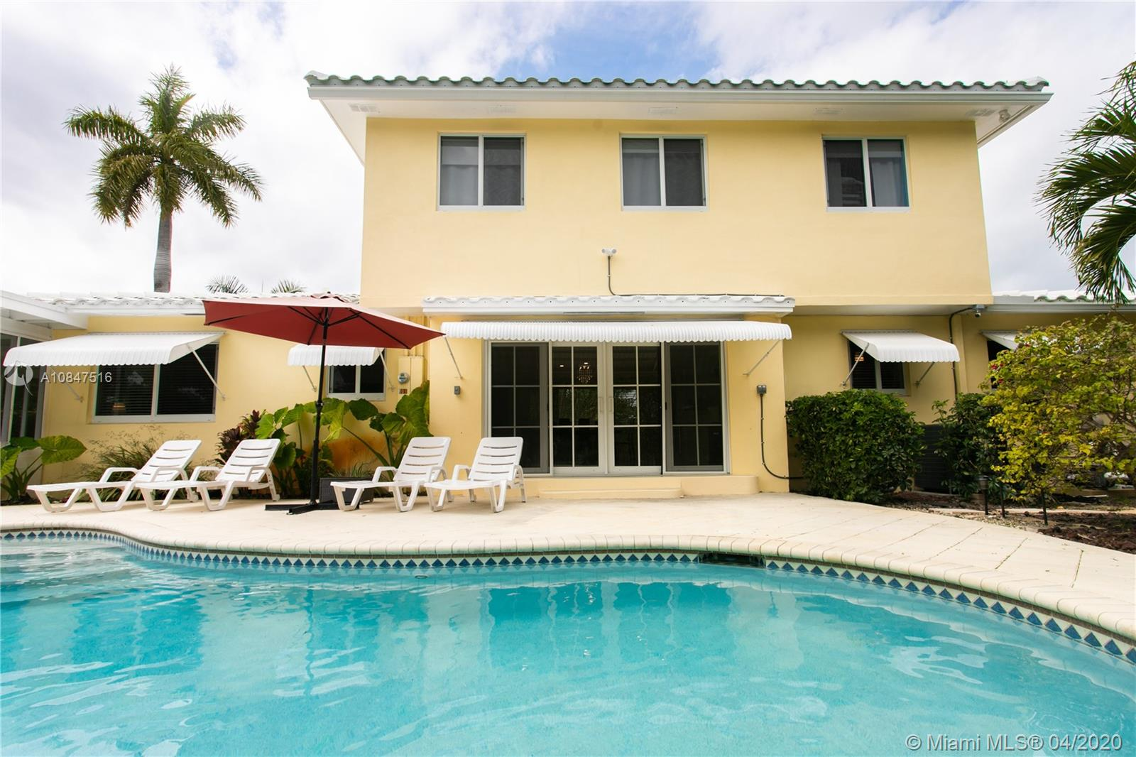 809 S 17th Ave  For Sale A10847516, FL