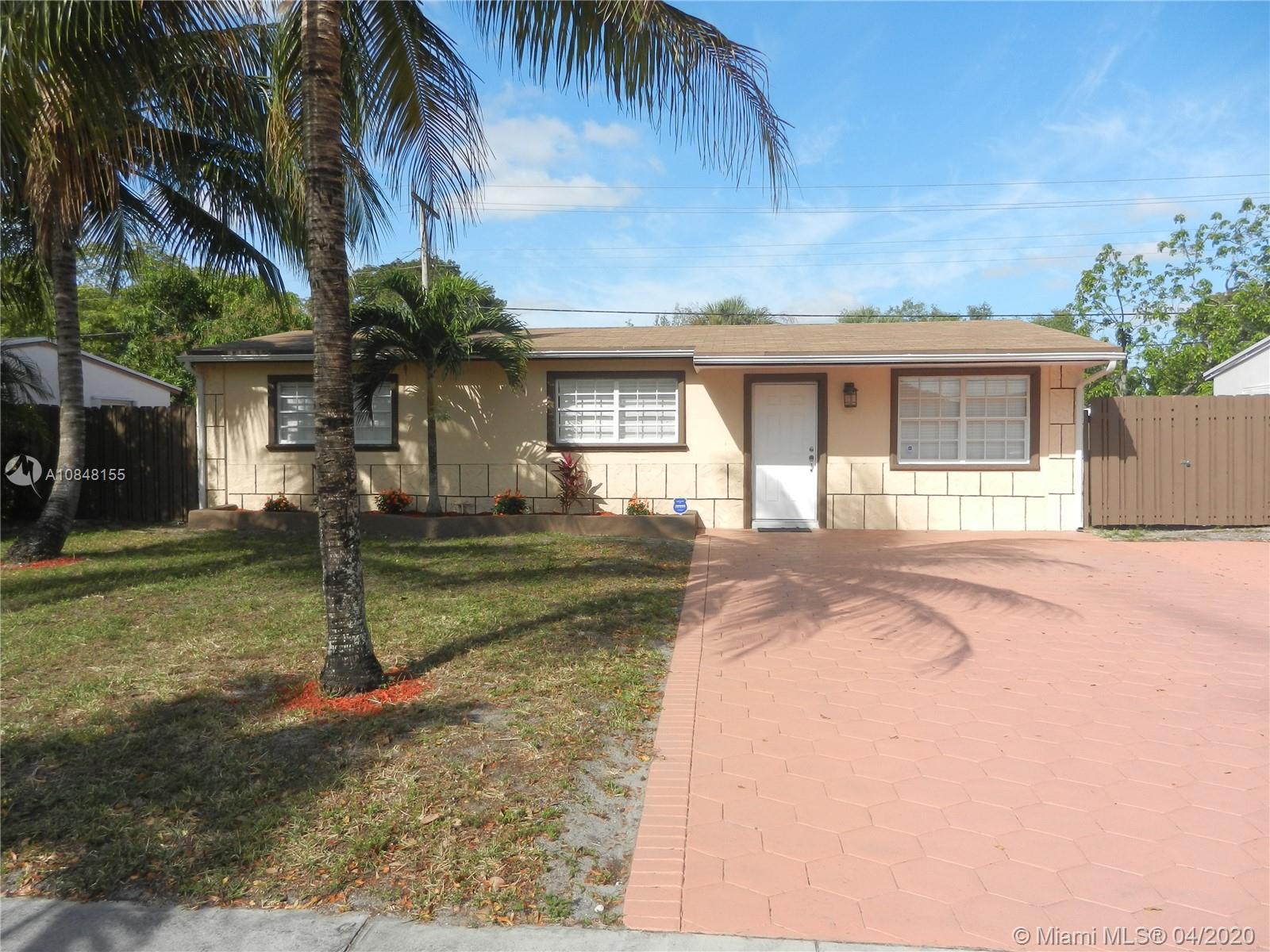 910 N 69th Way  For Sale A10848155, FL