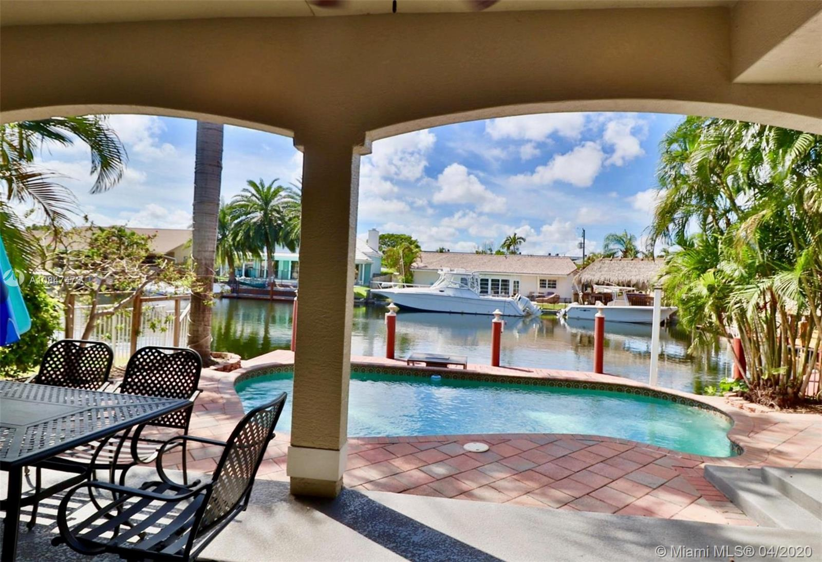 311 SE 13th Ave  For Sale A10847473, FL