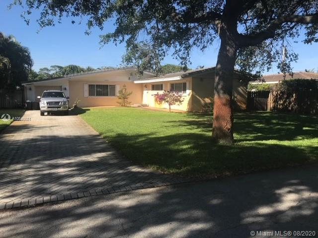 Amazing Short Sale in a very desirable area in Lighthouse Point. 3 bedrooms and 2 bathrooms. Needs some TLC.