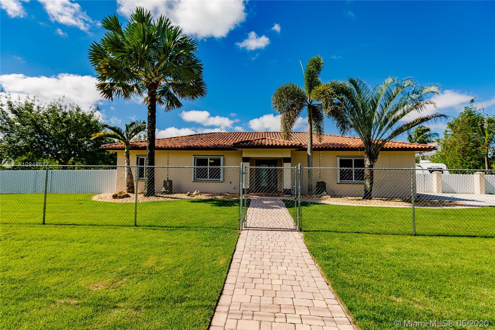 18500 SW 266th St  For Sale A10848677, FL