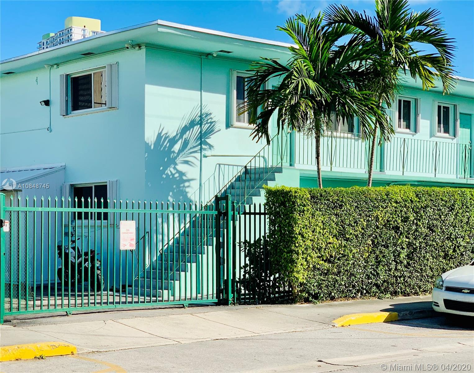 469 SW 3rd St #5 For Sale A10848745, FL