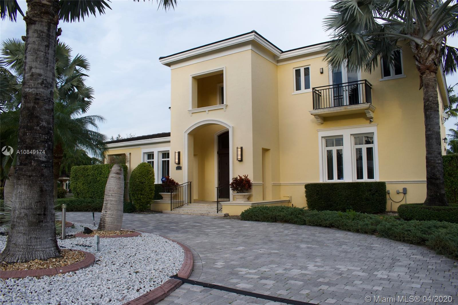 12755 SW 57th Ave  For Sale A10849174, FL