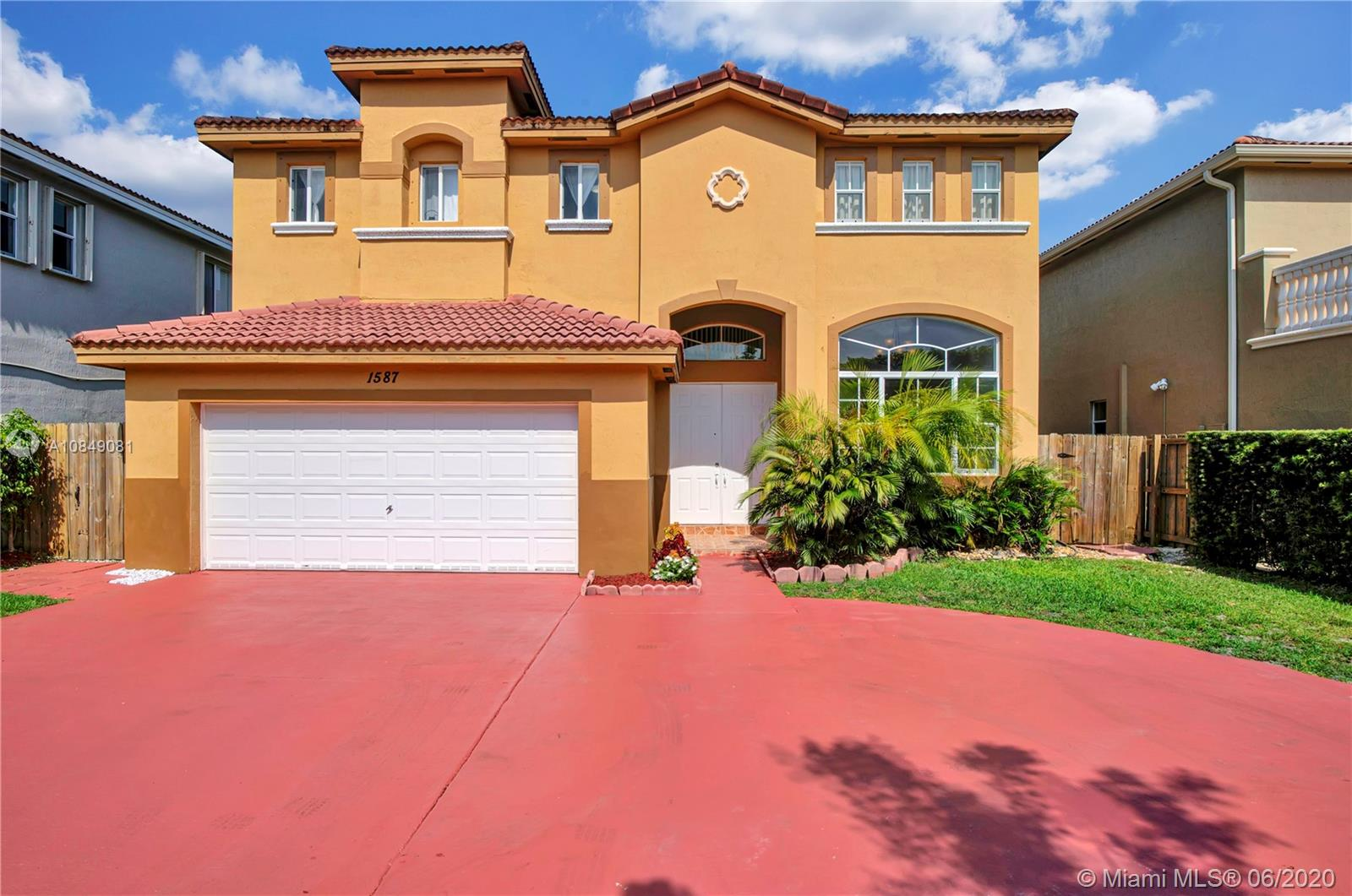 1587 SW 154th Ct  For Sale A10849081, FL