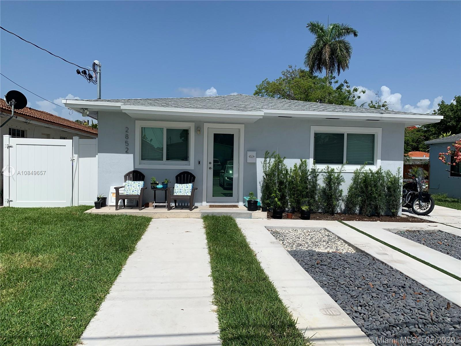 2852 SW 36th Ave  For Sale A10849657, FL