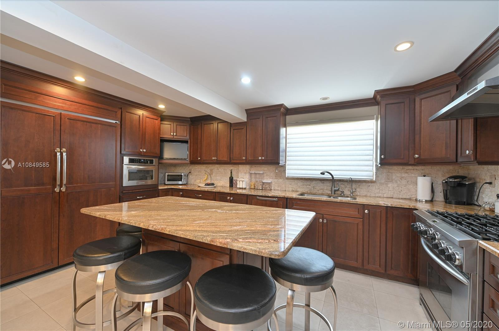 9124  Carlyle Ave  For Sale A10849585, FL