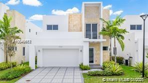 6850 NW 103rd Ave  For Sale A10849512, FL