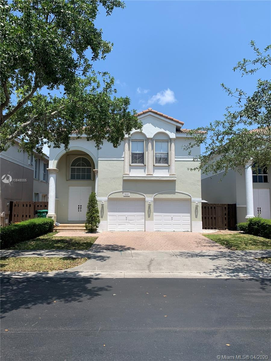 11237 NW 46th Ln  For Sale A10848005, FL