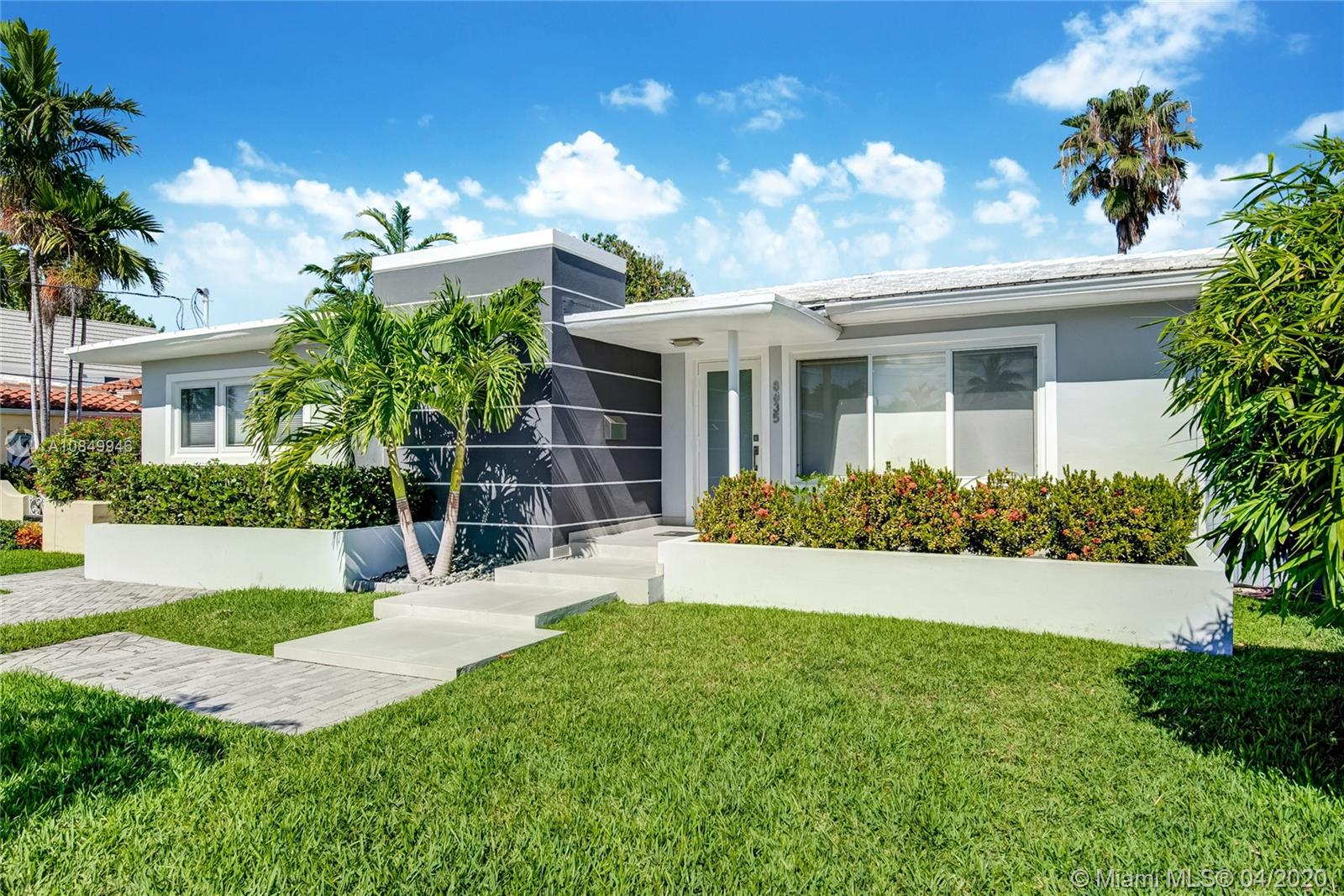 8835  Carlyle Ave  For Sale A10849946, FL