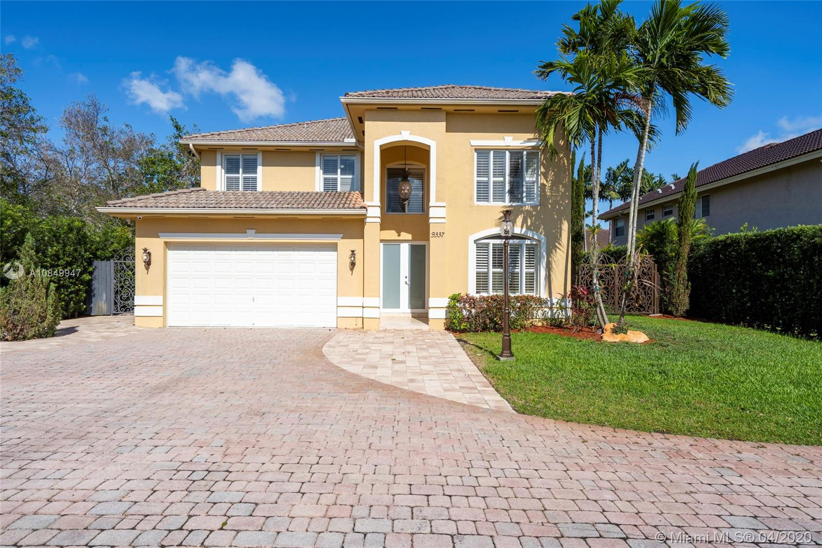 9337 SW 98th Ct  For Sale A10849947, FL