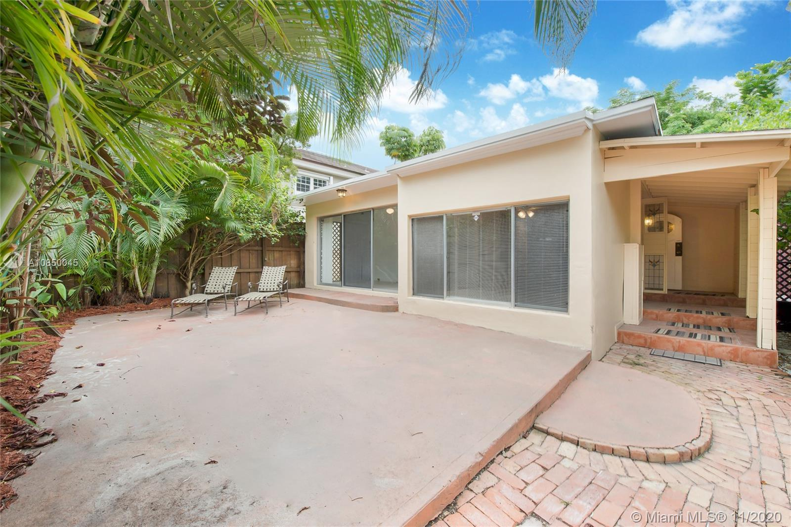 3166  Center Street  For Sale A10850045, FL