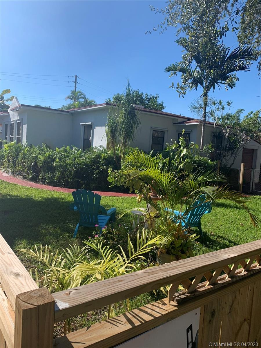 706 S 19th Ave  For Sale A10849986, FL