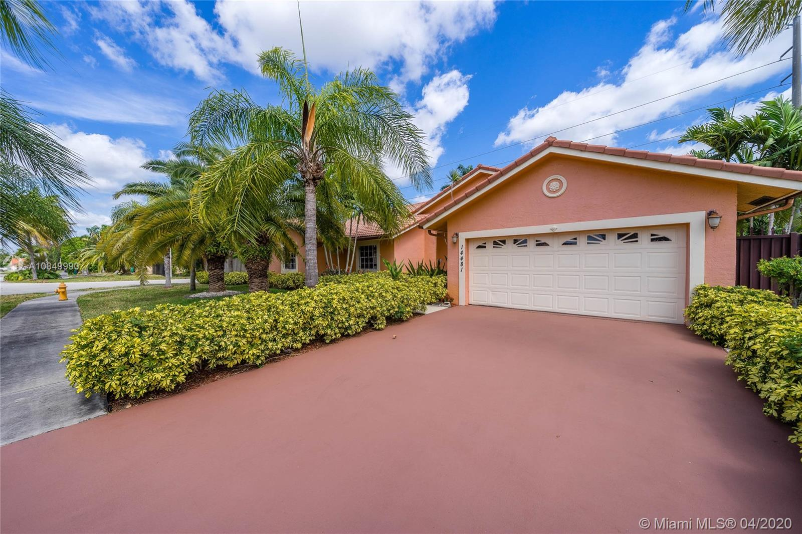 14481 SW 160th Ter  For Sale A10849990, FL