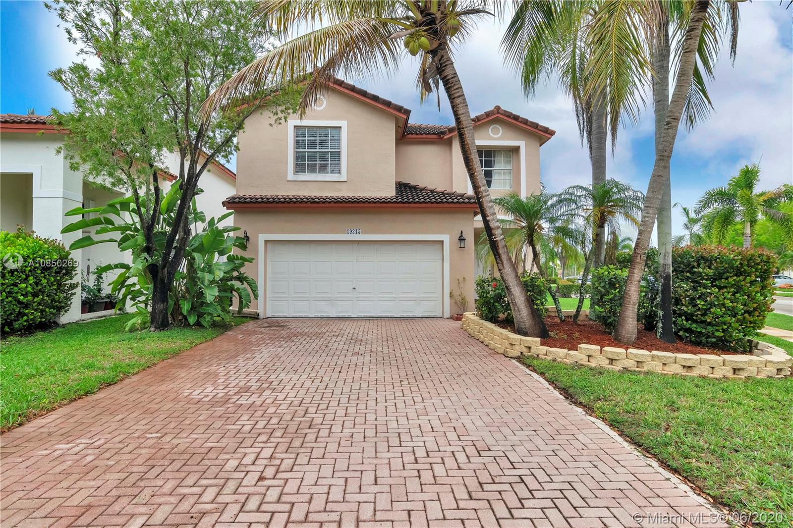 19245 NW 12th Ct  For Sale A10850269, FL