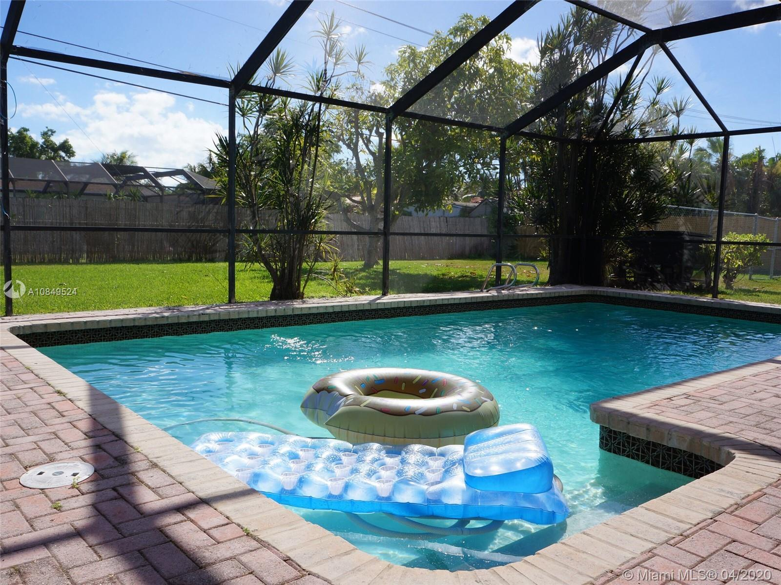 13805 SW 82nd Ct  For Sale A10849524, FL