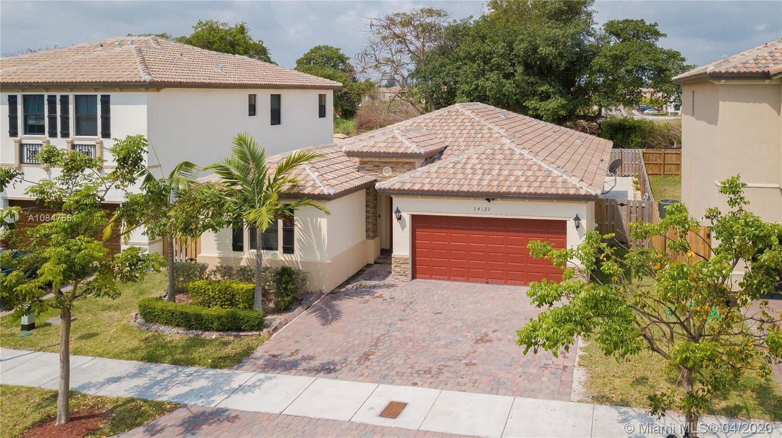 24122 SW 115th Ct  For Sale A10847561, FL