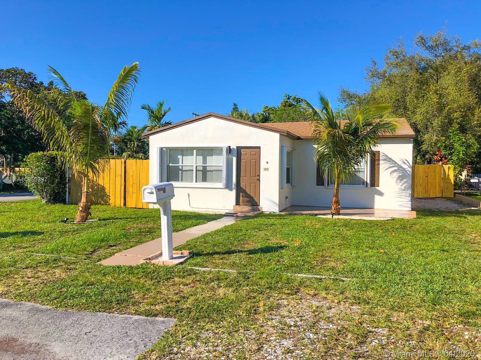 2447  Thomas St  For Sale A10850397, FL