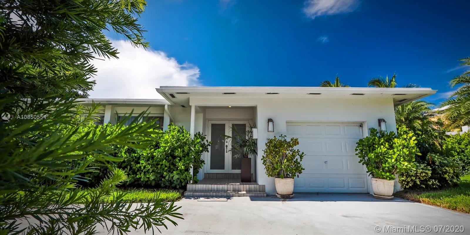 301  88th #St For Sale A10850554, FL
