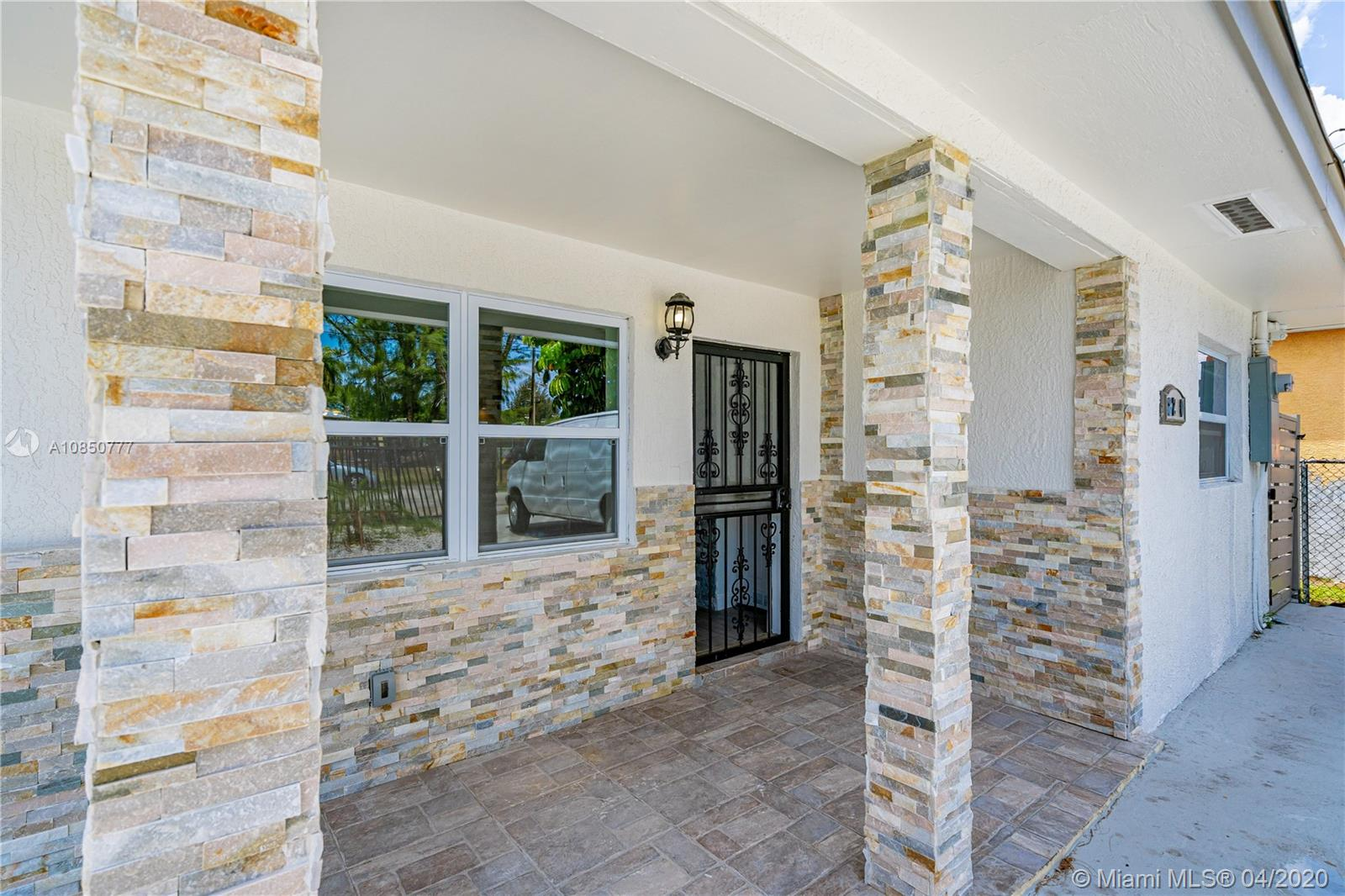 8200 NW 14th Ave  For Sale A10850777, FL