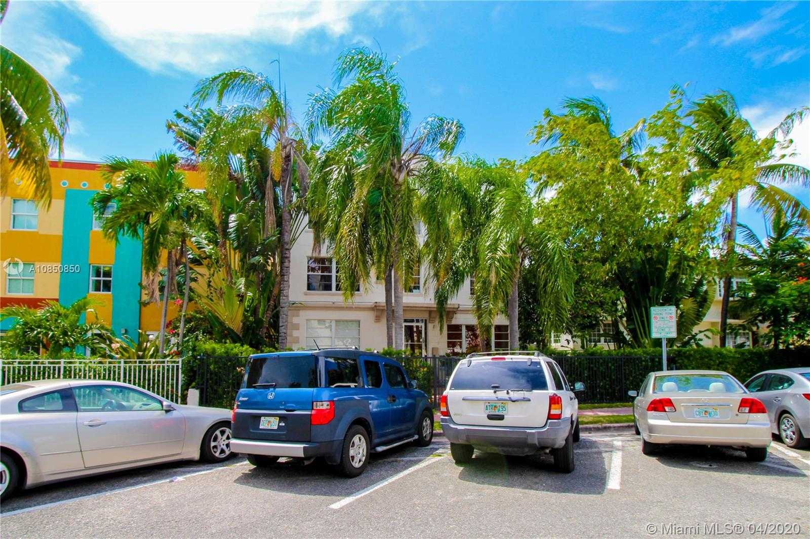 1320  Drexel Ave #203 For Sale A10850850, FL