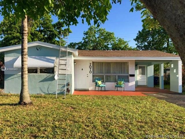 7070 SW 26th Ct  For Sale A10850903, FL