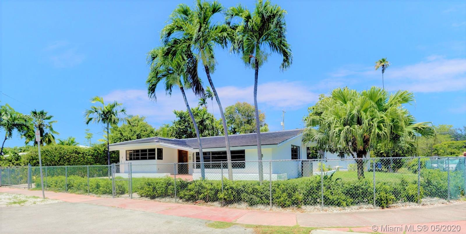 1101  Bay Dr  For Sale A10849996, FL