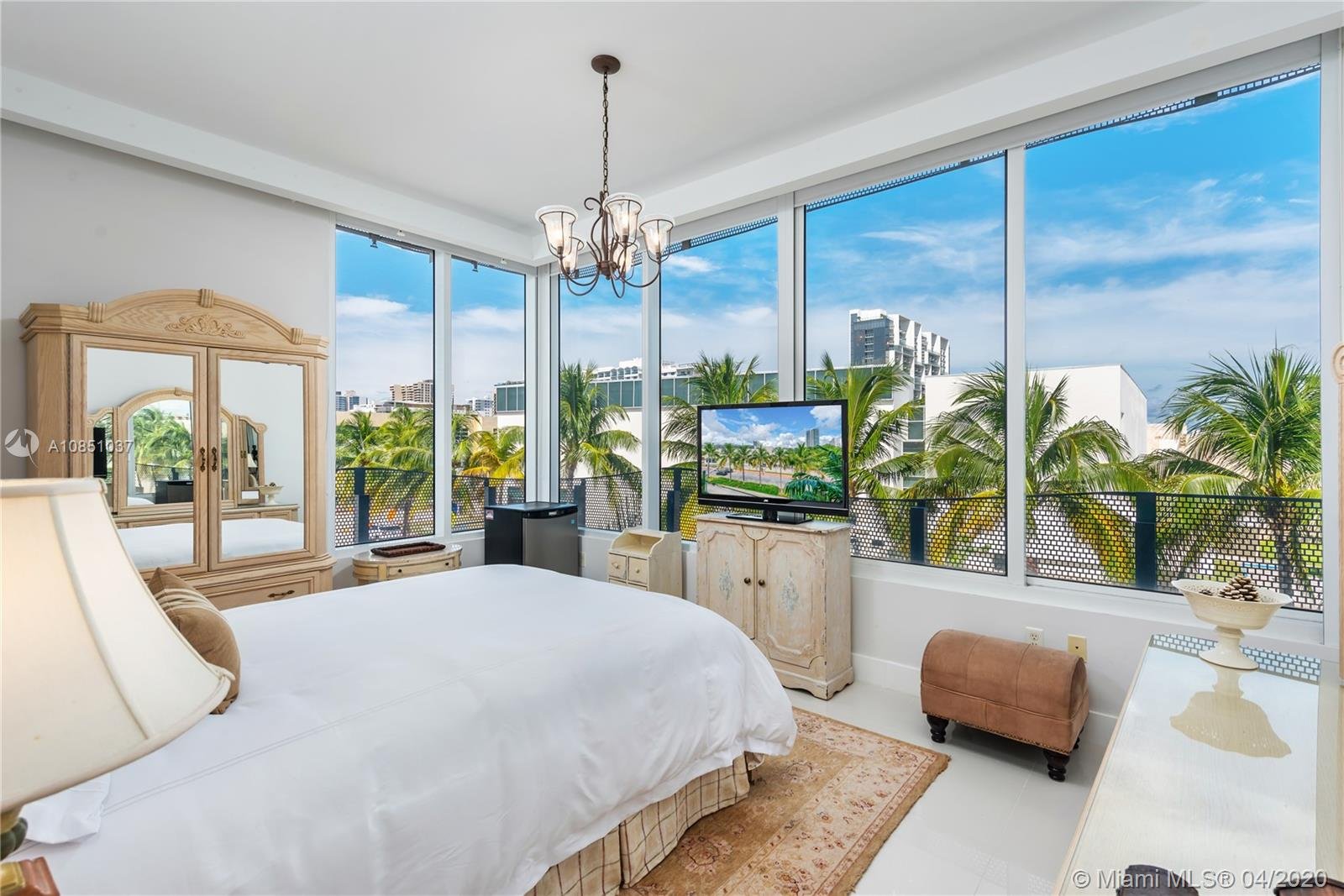 2100  Park Ave #301 For Sale A10851037, FL
