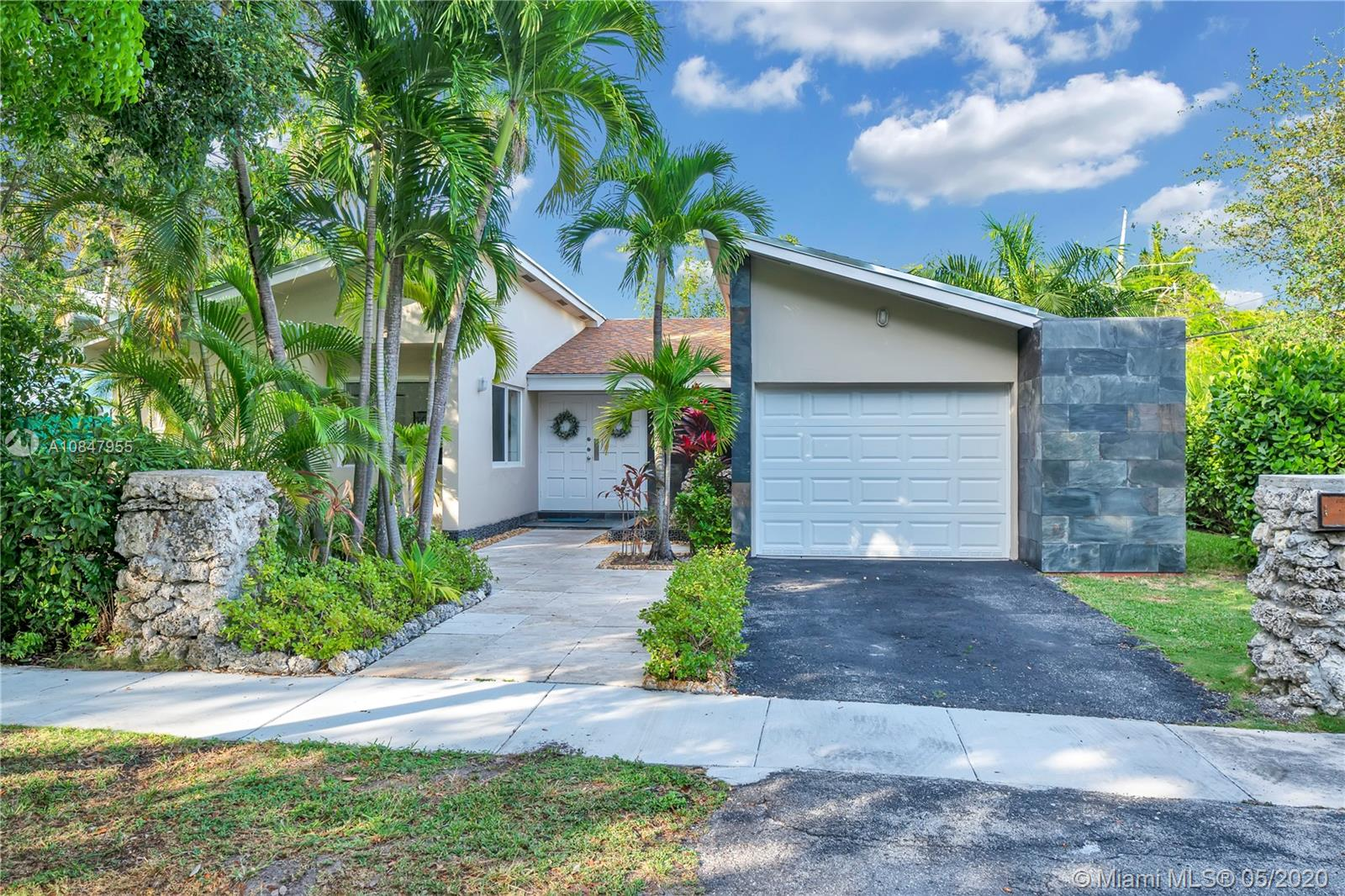 3091  Lucaya St  For Sale A10847955, FL