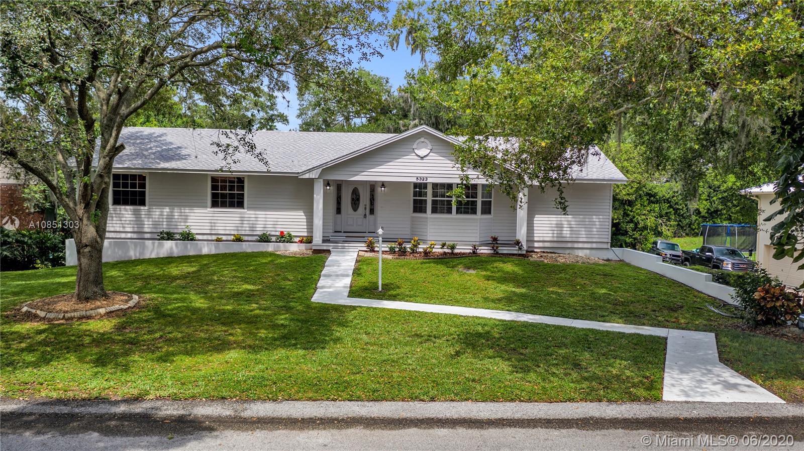 5323 Ray Place, Lakeland, FL 33813