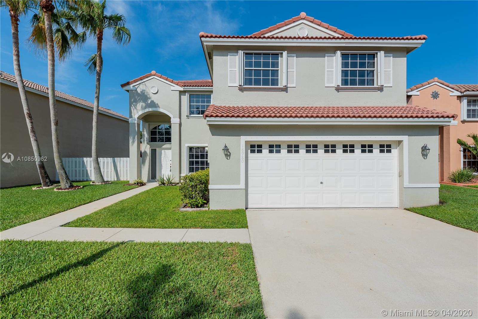 Contemporary, 4 Bed, 2.5 Bath ***CHELSEA MODEL HOME*** in Sought After Kensington@Chapel Trail. Featuring: Open Kitchen, Cherry Cabinetry, SS Appliances, Breakfast Bar, Spacious 2nd FL Master Suite, Large Walk-in Closet, His & Hers Vanities, Soaking Tub, Freshly Painted Interior, Laminate Wood Flooring, NEW Carpet in Bedrooms, Covered Patio, Accordion Shutters ***NEWER ROOF, A/C & WATER HEATER*** Fenced Grounds and Plenty of Room for a Pool/Play.  Convenient to Shopping, Restaurants, Entertainment, Travel & TOP-RATED SCHOOLS.  Residents Enjoy: Rose Price Municipal Park: Pool, Baseball/Softball, Basketball, Tennis, Playground; Chapel Trail Nature Preserve: Walking Trail, Wildlife, Flora & Fauna; Chapel Trail Walking & Bike Paths.  HOA Includes Cable & Internet. Call Us Today!