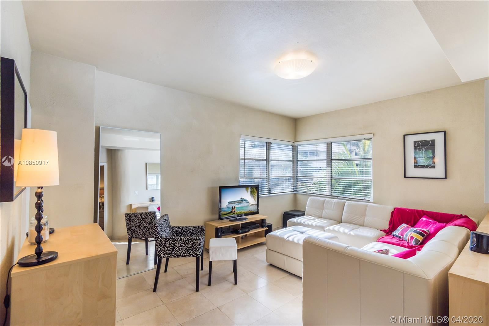 1100  Collins Ave #201 For Sale A10850917, FL