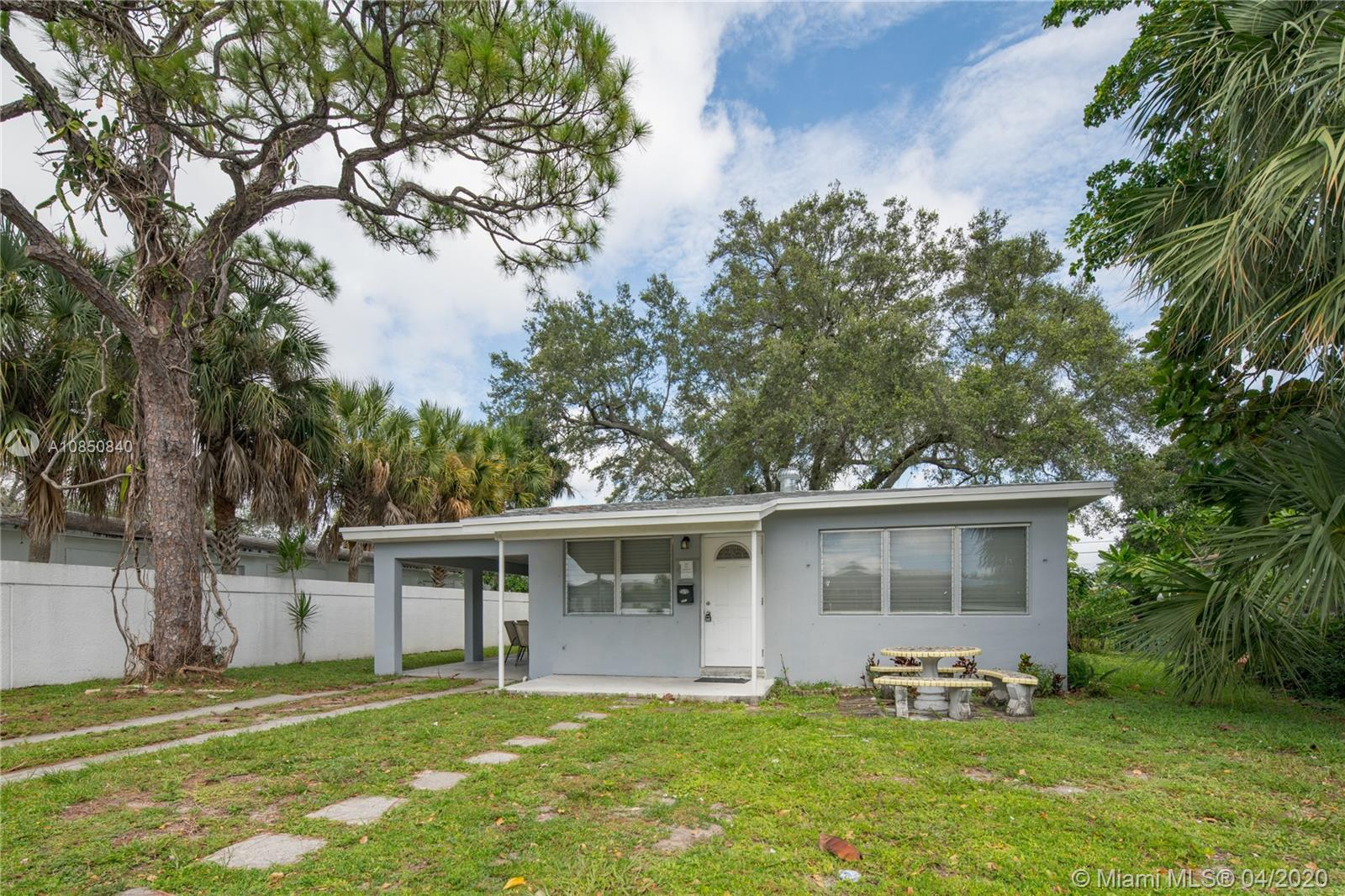 821  Himmarshee St  For Sale A10850840, FL