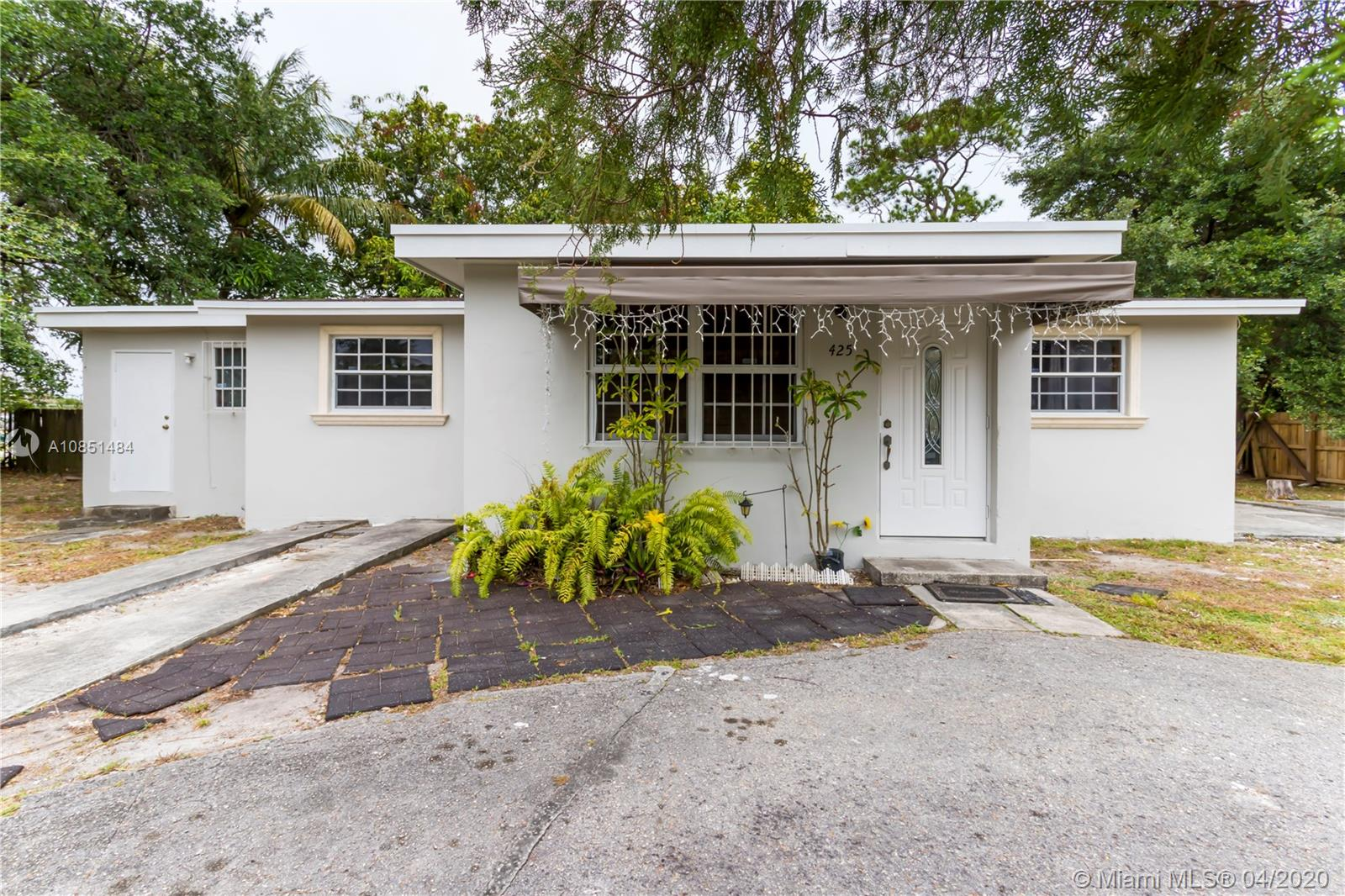 425  Sinbad Ave  For Sale A10851484, FL