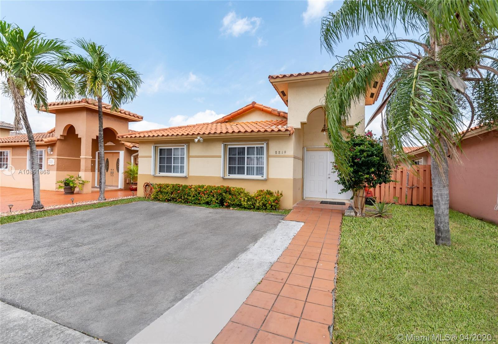 8819 NW 110th Ln  For Sale A10851868, FL