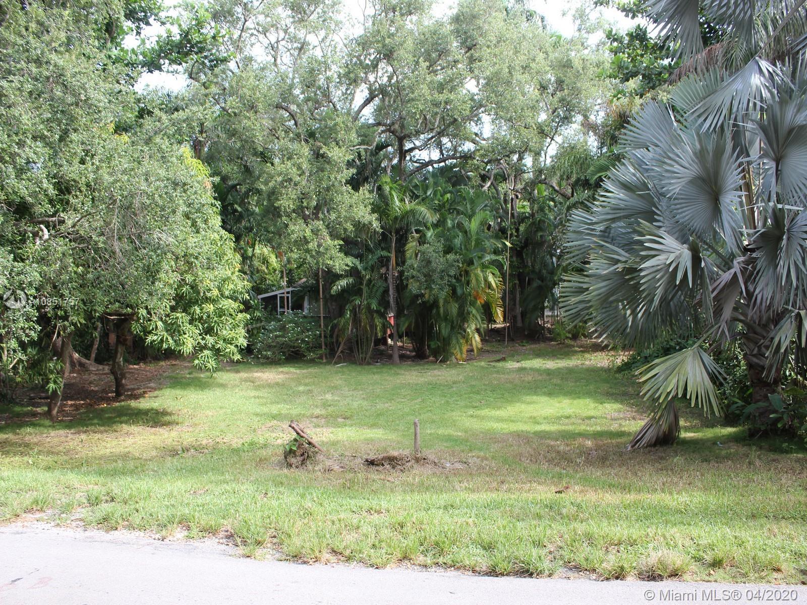 3585  Palmetto Ave  For Sale A10851757, FL