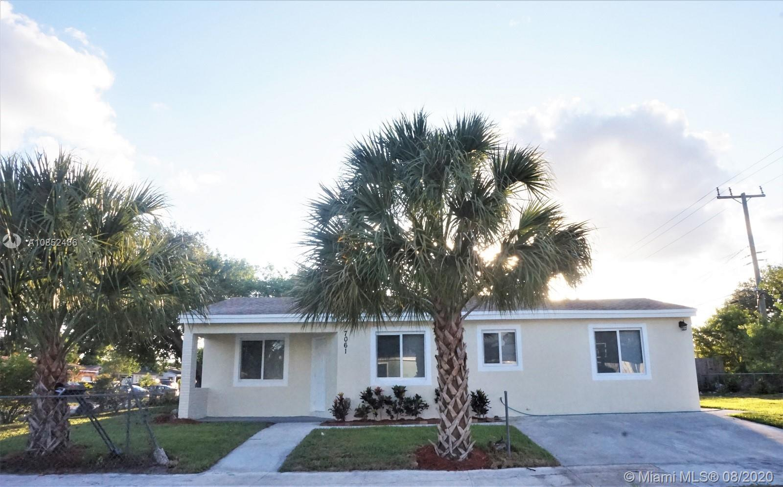 7061  Raleigh St  For Sale A10852436, FL