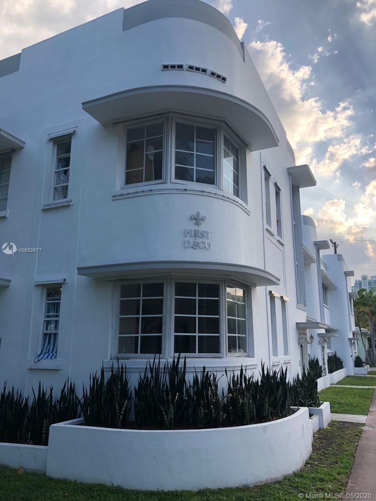 Fully renovated spacious corner 1 bedroom unit in the heart of South Beach, walking distance from the famous Ocean Drive and the best beaches, restaurants and stores. Tons of natural light.
