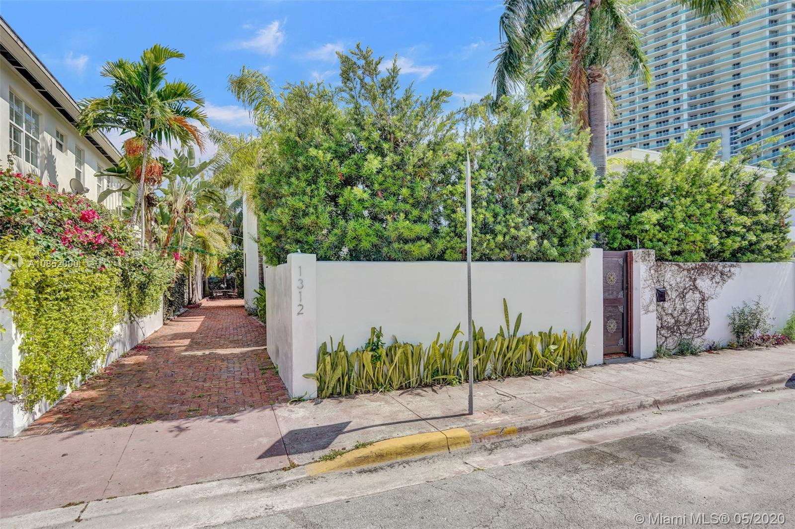 1312  15th Ter  For Sale A10852090, FL